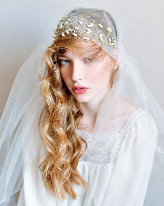 Side-Swept Waves with Dreamy Veil