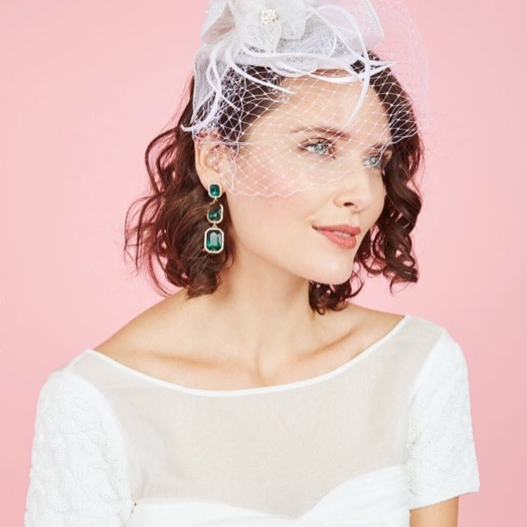 Short Style With Front Veil